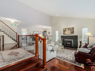 Photo 3: 619 SANDOLLAR PLACE in Delta: Tsawwassen East House for sale (Tsawwassen)  : MLS®# R2022171