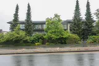 Photo 9: 208 2545 LONSDALE AVENUE in North Vancouver: Upper Lonsdale Condo for sale : MLS®# R2084963