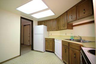 Photo 4: 506 - 1480 Foster St: White Rock Condo for sale (South Surrey White Rock)  : MLS®# R2117828