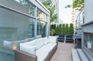 Photo 4: 1447 HOWE STREET in Vancouver: Yaletown Townhouse for sale (Vancouver West)  : MLS®# R2281638