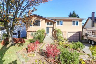Main Photo: 6040 172A Street in Surrey: Cloverdale BC House for sale (Cloverdale)  : MLS®# R2410293