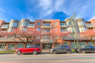 "Photo 45: 101 789 W 16TH Avenue in Vancouver: Fairview VW Condo for sale in ""Sixteen Willows"" (Vancouver West)  : MLS®# R2423292"