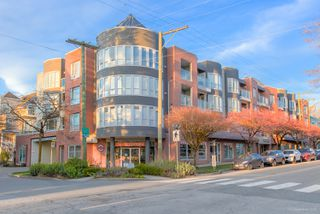 "Photo 48: 101 789 W 16TH Avenue in Vancouver: Fairview VW Condo for sale in ""Sixteen Willows"" (Vancouver West)  : MLS®# R2423292"