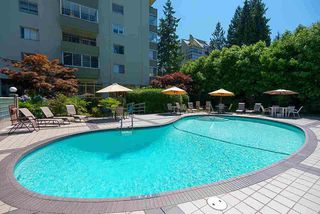 Photo 18: 403 1425 ESQUIMALT AVENUE in West Vancouver: Ambleside Condo for sale : MLS®# R2430904