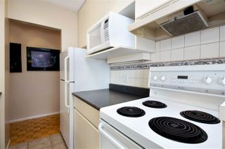 Photo 9: 403 1425 ESQUIMALT AVENUE in West Vancouver: Ambleside Condo for sale : MLS®# R2430904