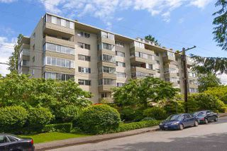 Photo 19: 403 1425 ESQUIMALT AVENUE in West Vancouver: Ambleside Condo for sale : MLS®# R2430904