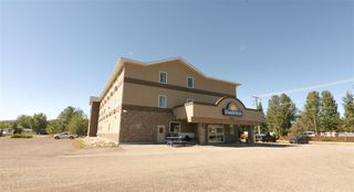Photo 9: 4401 53 Avenue in No City Value: BCNREB Out of Area Business with Property for sale : MLS®# C8032982