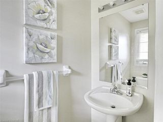 Photo 14: 40 320 AMBLESIDE Drive in London: North A Residential for sale (North)  : MLS®# 275541