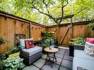 """Photo 30: 13 888 W 16TH Avenue in Vancouver: Fairview VW Townhouse for sale in """"LAUREL MEWS"""" (Vancouver West)  : MLS®# R2510599"""