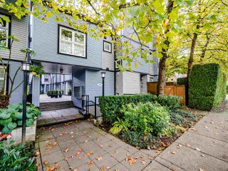 """Photo 2: 13 888 W 16TH Avenue in Vancouver: Fairview VW Townhouse for sale in """"LAUREL MEWS"""" (Vancouver West)  : MLS®# R2510599"""