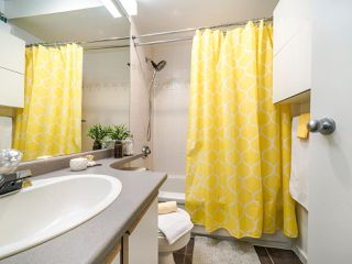 """Photo 38: 13 888 W 16TH Avenue in Vancouver: Fairview VW Townhouse for sale in """"LAUREL MEWS"""" (Vancouver West)  : MLS®# R2510599"""