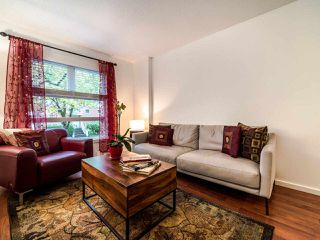 """Photo 7: 13 888 W 16TH Avenue in Vancouver: Fairview VW Townhouse for sale in """"LAUREL MEWS"""" (Vancouver West)  : MLS®# R2510599"""