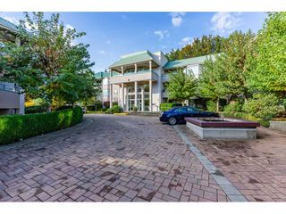 """Photo 2: 211 33165 OLD YALE Road in Abbotsford: Central Abbotsford Condo for sale in """"SOMMERSET RIDGE"""" : MLS®# R2510975"""