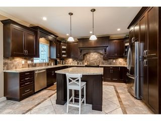 """Photo 10: 21066 83B Avenue in Langley: Willoughby Heights House for sale in """"North Yorkson - Willoughby"""" : MLS®# R2526763"""