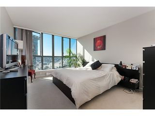 "Photo 8: 2201 1088 QUEBEC Street in Vancouver: Mount Pleasant VE Condo for sale in ""VICEROY"" (Vancouver East)  : MLS®# V974339"