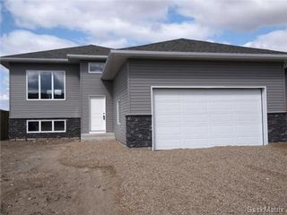 Photo 1: 417 Quessy Drive: Martensville Single Family Dwelling for sale (Saskatoon NW)  : MLS®# 457864