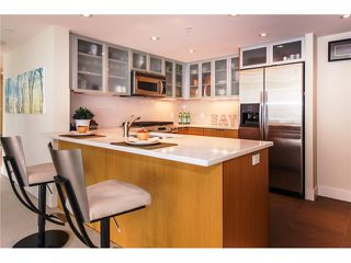"Photo 3: 2804 1205 W HASTINGS Street in Vancouver: Coal Harbour Condo for sale in ""CIELO"" (Vancouver West)  : MLS®# V1026183"