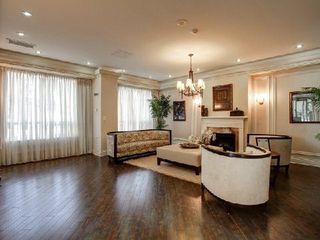 Photo 9: 09 25 Earlington Avenue in Toronto: Kingsway South Condo for sale (Toronto W08)  : MLS®# W2968839