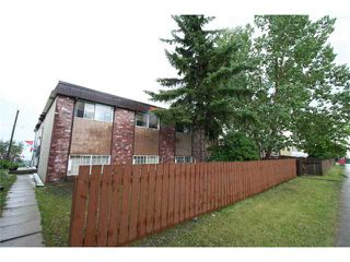 Photo 2: 7712 HUNTERVIEW Drive NW in CALGARY: Huntington Hills 4Plex for sale (Calgary)  : MLS®# C3630605