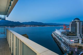 Main Photo: 2402 1011 W Cordova Street in Vancouver: Coal Harbour Condo for sale (Vancouver West)  : MLS®# V1141278