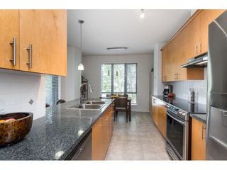"""Photo 8: 203 1550 MARTIN Street: White Rock Condo for sale in """"SUSSEX HOUSE"""" (South Surrey White Rock)  : MLS®# R2396838"""