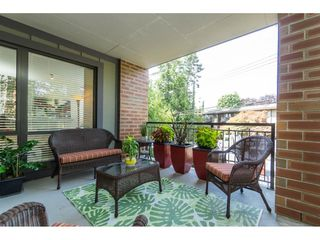 """Photo 18: 203 1550 MARTIN Street: White Rock Condo for sale in """"SUSSEX HOUSE"""" (South Surrey White Rock)  : MLS®# R2396838"""