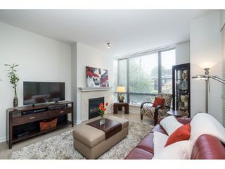 """Photo 4: 203 1550 MARTIN Street: White Rock Condo for sale in """"SUSSEX HOUSE"""" (South Surrey White Rock)  : MLS®# R2396838"""