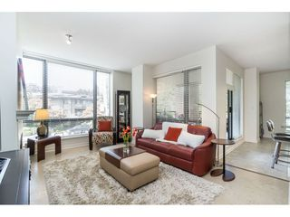 """Photo 7: 203 1550 MARTIN Street: White Rock Condo for sale in """"SUSSEX HOUSE"""" (South Surrey White Rock)  : MLS®# R2396838"""
