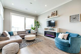 Photo 7: 16154 87 Avenue in Surrey: Fleetwood Tynehead House 1/2 Duplex for sale : MLS®# R2400935