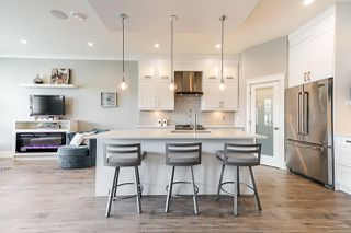 Photo 5: 16154 87 Avenue in Surrey: Fleetwood Tynehead House 1/2 Duplex for sale : MLS®# R2400935