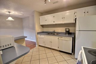 Photo 6: 2340 151 Avenue in Edmonton: Zone 35 Townhouse for sale : MLS®# E4176578