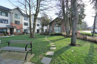 """Photo 2: 11 16518 24A Avenue in Surrey: Grandview Surrey Townhouse for sale in """"NOTTING HILL"""" (South Surrey White Rock)  : MLS®# R2428719"""
