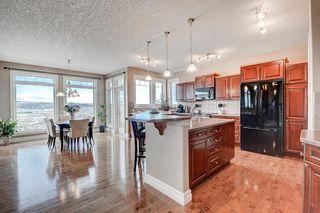 Photo 7: 83 HIDDEN CREEK PT NW in Calgary: Hidden Valley House for sale : MLS®# C4282209