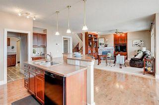 Photo 6: 83 HIDDEN CREEK PT NW in Calgary: Hidden Valley House for sale : MLS®# C4282209