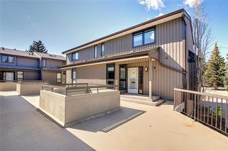 Photo 3: 901 3240 66 Avenue SW in Calgary: Lakeview Row/Townhouse for sale : MLS®# C4295935