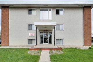 Photo 5: 15304 100 Avenue in Edmonton: Zone 22 Multi-Family Commercial for sale : MLS®# E4197508