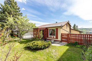 Photo 4: 5211 23 Avenue NW in Calgary: Montgomery Detached for sale : MLS®# C4300062