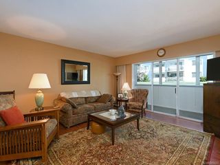 Photo 2: 202 415 Linden Ave in Victoria: Vi Fairfield West Condo for sale : MLS®# 845023