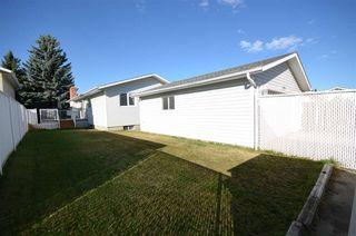 Photo 37: 1751 62 Street Edmonton 4 Bed 2.5 Bath Family House For Sale E4216829