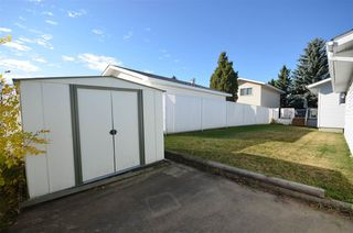 Photo 38: 1751 62 Street Edmonton 4 Bed 2.5 Bath Family House For Sale E4216829