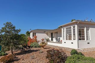 Photo 3: BAY PARK House for sale : 3 bedrooms : 5184 Brownell St in San Diego