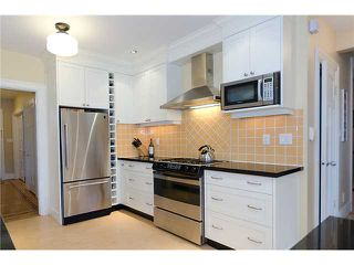Photo 3: 793 W 26TH Avenue in Vancouver: Cambie House for sale (Vancouver West)  : MLS®# V932835