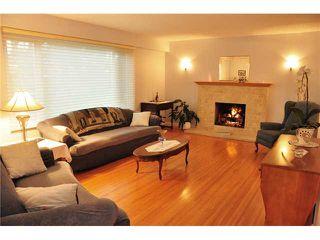 """Photo 2: 1685 58A Street in Tsawwassen: Beach Grove House for sale in """"BEACH GROVE"""" : MLS®# V933436"""