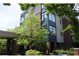 "Photo 1: 407 588 W 45TH Avenue in Vancouver: Oakridge VW Condo for sale in ""THE HEMMINGWAY"" (Vancouver West)  : MLS®# V970203"