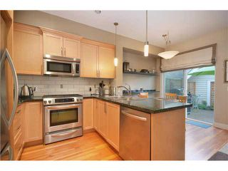 Photo 3: 255 SALTER Street in New Westminster: Queensborough Condo for sale : MLS®# V972211