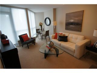 """Photo 1: # 904 833 SEYMOUR ST in Vancouver: Downtown VW Condo for sale in """"CAPITOL RESIDENCES"""" (Vancouver West)  : MLS®# V1022417"""
