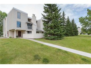 Photo 1: 202 3500 VARSITY Drive NW in CALGARY: Varsity Acres Townhouse for sale (Calgary)  : MLS®# C3631652