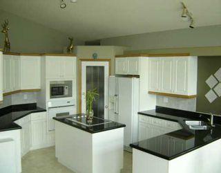 Photo 3: 16 VANDERBILT Drive: Winnipeg Single Family Detached for sale (1p)  : MLS®# 2617216