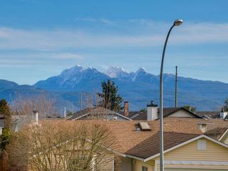 Photo 17: 19566 PARK ROAD in Pitt Meadows: Mid Meadows House for sale : MLS®# R2047749
