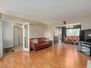 Photo 3: 19566 PARK ROAD in Pitt Meadows: Mid Meadows House for sale : MLS®# R2047749